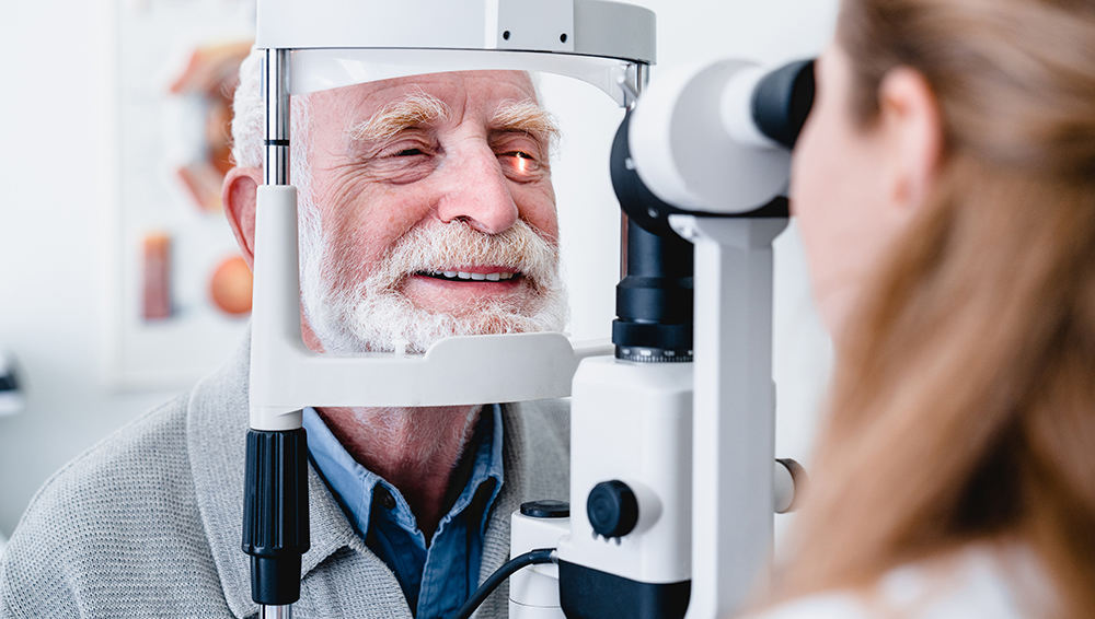 Senior eye exams in Wisconsin
